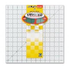 """Regla Frosted Olfa 12.5"""" x 12.5"""""""